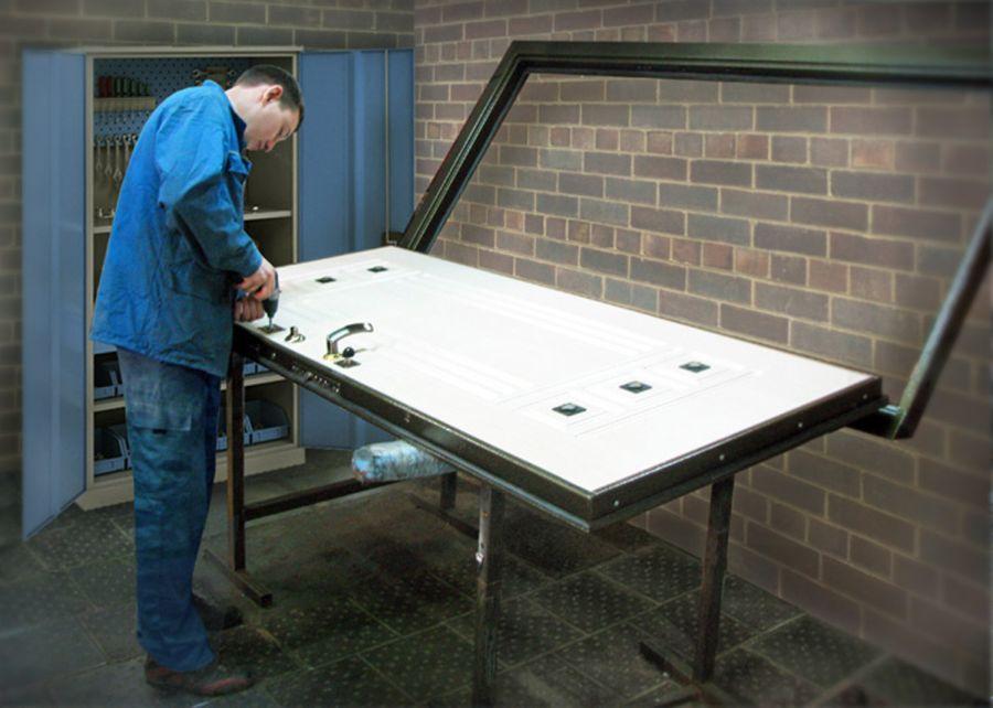 складская цена металлических дверей
