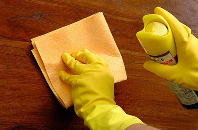 Как вывести жирное пятно с деревянного пола